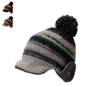 耳あてとツバ付きのニット帽、カンフィーワッチ